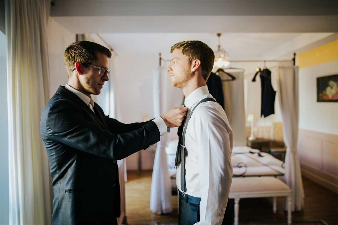 Bräutigam, Trauzeuge, Hochzeitsfotograf, Hochzeitsfotografie, Regensburg, Neunburg, Weiden, Schwandorf, Oberpfalz, München, Bayern
