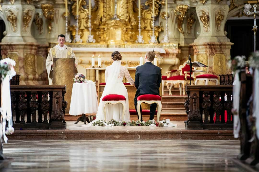 Brautpaar am Altar, Hochzeitsfotograf, Hochzeitsfotografie, Regensburg, Neunburg, Weiden, Schwandorf, Oberpfalz, München, Bayern